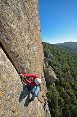 Maurizio Oviglia climbing pitch 2 of Top Secret.