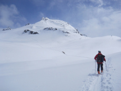 Travelling along the Haute Route ski tour Chamonix - Zermatt