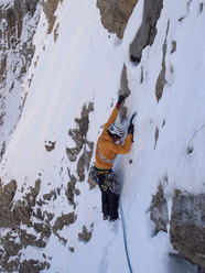 Josune Bereziartu and Rikar Otegui during the first ascent of Frenesi (M7, 450m) on the north face of Peña Telera (2764 m), Spain.