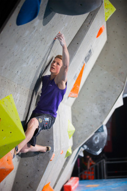 Jakob Schubert on boulder #3