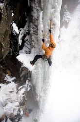 Markus Bendler climbing Runzee III, WI5, Japan