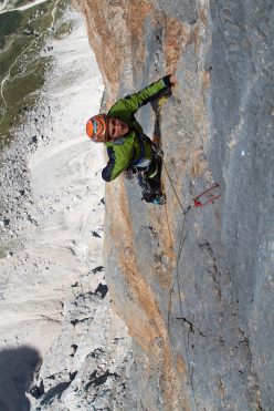 Alessandro Baù on Colonne d'Ercole (1200m, max IX, obl. VIII+), Punta Tissi, Civetta, Dolomites, established together with Alessandro Beber and Nicola Tondini.