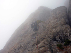 Quasi fuori dalla via A Federico, inseguiti dalla nebbia