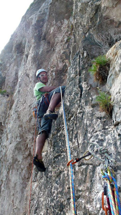 Maurizio Oviglia making the first ascent of Blu Oltremare