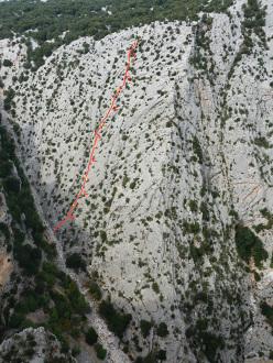 Los Compadres (325m, 5c+, Corrado Pibiri, Vincenzo Carcangiu 2013)