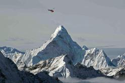 Elicottero nella zona dell'Ama Dablam (Khumbu Himal)