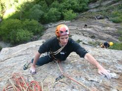 In arrampicata sul Pilastro Lomasti, Valle d'Aosta