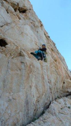 In apertura sulla via La vita tra le dita - Parete Nord del Monte Monaco (Sicilia)