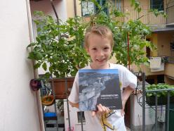 Dario and the book Gli archivi ritorvati. Un percorso fra... i monti by Giuseppe Miotti