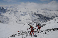 02/05/2008: Lionel Bonnel and Stéphane Brosse during their record breaking traverse of the Haute Route Chamonix - Zermatt in 21:11