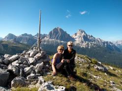 Paolo Sterni con Serena Bonin (la mamma) in cima a Gallo George, Muraglia del Giau, Lastoni di Formin, Dolomiti