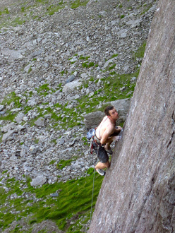 James McHaffie repeating The Indian Face E9 6c, Cloggy, Wales