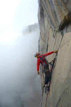 Steve Bate in solitaria sulla via Zodiac, El Capitan, Yosemite
