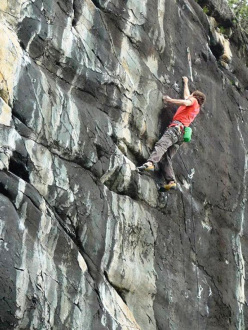 Zoia Bassa, Valmalenco: Silvio Reffo on Good Vibration 8b+