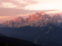 Adventure Movie Award Days 2013: le Dolomiti di Sesto all'alba dal Rifugio Gallo Cedrone