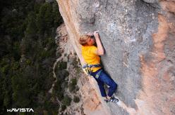 Alexander Megos climbing Estado Critico 9a at Siurana.
