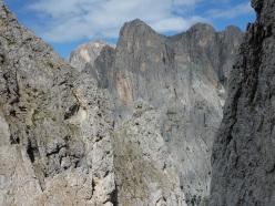 La cima dei Lastei (Val Canali, Pale di San Martino) dove sul Pilastro dei Finanzieri sale la via aperta da Lorenzo Massarotto e Vittorio Chenet.