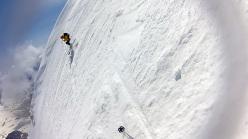 Beppe Dallona sul ripido tratto iniziale (55°) della Piramide Vincent (Monte Rosa)