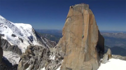 Il climber francese Romain Desgranges su Digital Crack 8a, Monte Bianco