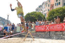 The slackline between Isola Palmaria and the Porto Venere promotory, La Spezia.