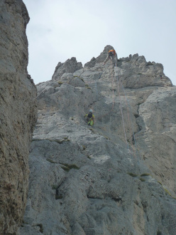 Daniele Natali belaying Stefano on pitch 6 during the first repeat