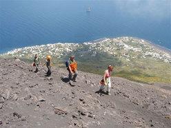 In salita verso il cratere di Stromboli.