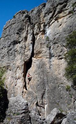 Il nuovo settore Vela è sempre molto frequentato dalle arrampicatrici ... un motivo in più per visitarlo!
