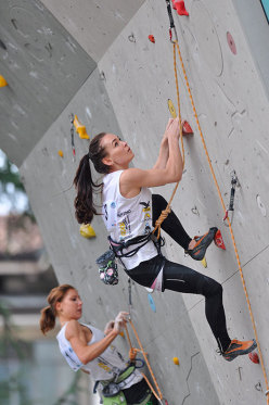 Duello: Mina Markovic vs Dinara Fakhritdinova
