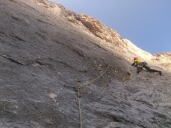 On the second pitch, 7b