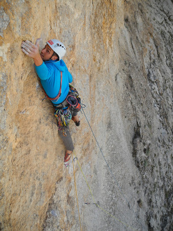 Lower Guvercinlik (Tranga Tower): Andrea Simonini in action on Atomic Folder