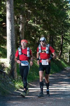 Atleti impegnati nel bosco di Lillaz