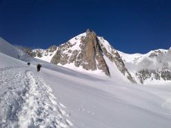 Avvicinamento alla Tour Ronde (Monte Bianco)