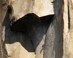 New Zealand climber Mayan Smith-Gobat below the Great Roof while breaking the new women's Speed record on The Nose, Yosemite on 29/09/2013 together with Libby Sauter in 5:39.