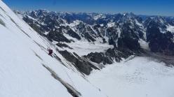 Daniela Teixeira il giorno della cima, con vista sulla Nangma valley