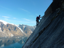 Ian Faulkner on the first ascent of 'Cosmic Rave' on the Horn of Upernivik