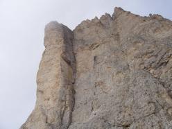 ll diedro dei Mugoni (Catinaccio - Rosengarten, Dolomiti) dove sale la celebre via Vinatzer