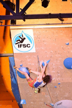 Adam Ondra climbing to victory at Valence in France