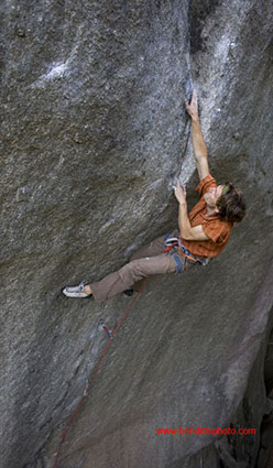 Nicolas Favresse on the final crux moves of the Cobra Crack, Cirque of the Uncrackables, Squamish, Canada. On 17/07/08 he carried out the first repeat after the route was freed by Sonnie Trotter in June 2006.