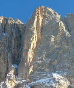 Su Alto before the collapse, with the route lines Piussi (left ) and Livanos (right)
