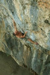 Gino Pavoni repeating Dead man walking 8b/c at Warmbad, Austria.