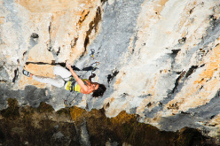 Anna Gonzalez su Angolo Retto 8a+, Red Up