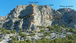 The XIII pillar of Doloverre di Surtana with th routes Seven Cams, Patty and Venuto al Mondo