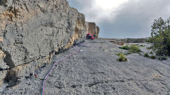 The final pitches of the route Sos de Urtullè.