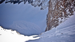 The cornice collapse on the Hohe Geige, Ötztaler Alps, on 25/01/2014.