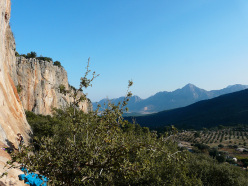 Climbing at Geyikbayiri, Antalya, Turchia