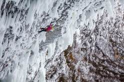 Angelika Rainer ripete Clash of the Titans WI10+ a Helmcken Falls, Canada