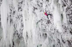 Angelika Rainer repeating Clash of the Titans WI10+ at Helmcken Falls, Canada