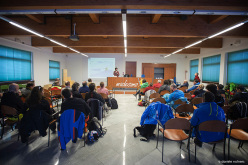 Despite the difficulties of staying indoors after such great skiing, everyone listened attentively thanks to the interesting topics and teachers.