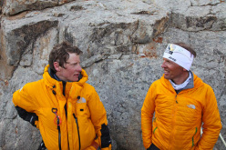 David Göttler returns to Base Camp and joins Simone Moro.
