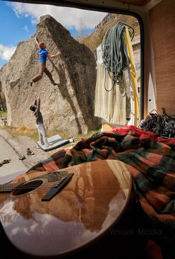Bouldering in the Orco valley